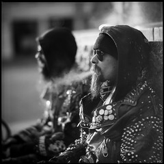 Rivets (*altglas*) Tags: street 6x6 film leather analog mediumformat punk rivets smoke bronica rodinal punks leder rauch nieten mittelformat adox strase zenzabronica pan25