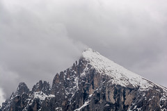 Der Plattkofel bei schlechtem Wetter, Seiser Alm (thunderbird-72) Tags: italien schnee berg wolken it berge sdtirol dolomiten plattkofel seiseralm castelrotto trentinoaltoadige nikond7100