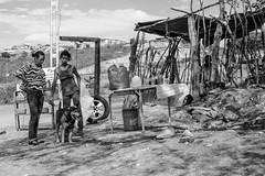 En Contraste (Lex Arias / LeoAr Photography) Tags: street people blackandwhite bw blancoynegro monochrome monocromo calle nikon gente venezuela streetphotography monochromatic bn barquisimeto 2016 callejera nikond3100 everybodystreet streetphotovenezuela leoarphotography lexarias streetphotographyvzla iglexariasphotos
