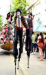 2016 stilt walkers, Fest International, Lafayette, Apr 24-7163 (cajunzydecophotos) Tags: lafayette stiltwalkers 2016 festivalinternationaldelouisiane
