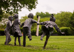 #Flickr Friday #Don't Give Up (twinkleinmyeye) Tags: playing green grass statue canon children landscape child games barefoot holdinghands carefree artphoto bronzesculpture dontgiveup childsculpture columbusindiana crackthewhip flickrfriday josaylors