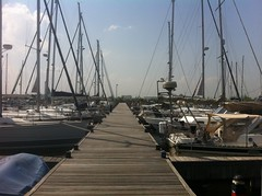 IMG_0333 (heidiboesdal) Tags: bridge dutch marina volendam marinapark