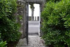 Torri del Benaco (pascaledekker) Tags: door italy lake green del garda view torri benaco