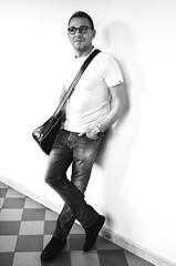 IMGP3055b (maurizio siani) Tags: italy man muro primavera fashion persona italia estate pentax moda tshirt sguardo uomo jeans napoli naples casual bianca giugno levis mode bellezza maurizio simpatia ragazzo occhiali sportivo divertimento siani 2016 giocare modello fascino maglietta seduzione k30 appoggiato tracolla disinvoltura disinvolto