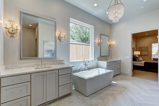 19 Master Bath-Bed