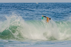 Surf (mcvmjr1971) Tags: brasil d7000 itacoatiara nikon niterói riodejaneiro beach bodyboard mmoraes praia sea seaside sigma150500mm surf curtoniteroi