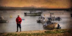 (168/16) Marinero (Pablo Arias) Tags: pabloarias espaa spain hdr photomatix nx2 photoshop nubes texturas cielo marinero puntaumbra huelva comunidadandaluza barcas tranquilidad