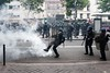 Paris (Federico Verani) Tags: street city paris streets june work photography riot police travail strike rue legge città loi parigi lavoro teargas polizia grève sciopero clashes generalstrike 2016 casseur grèvegénérale scontri lacrimogeni scioperogenerale elkhomri loielkhomri 14june2016