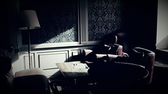 E quando l'ombra dilegua e se ne va, la luce che si accende diventa ombra per altra luce. (Khalil Gibran) (carlini.sonia) Tags: sonia varsavia relax riposo bar caffetteria luce ombre polonia europa