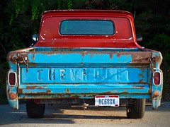 Chevrolet (tim.perdue) Tags: chevrolet chevy truck pickup automobile auto vehicle old vintage classic urban decay rust abandoned red blue tailgate rusty car columbus ohio olympus em10 omd