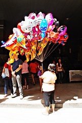 Baloons (diamonds_in_the_soles_of_her_shoes) Tags: balloons manila teampilipinas