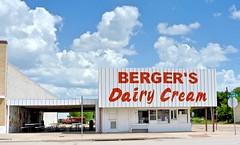 Berger's Dairy Cream - Mart,Texas (Rob Sneed) Tags: texas mart etexasave limestoneandmclennancounties independent burgerjoint bergersdairycream americana smalltown texana togo takeout picnictables outdoordining usa fastfood hamburgerstand clouds drivein urban
