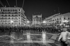 Strands of Sticks (BoXed_FisH) Tags: city travel blackandwhite bw white black art valencia monochrome architecture grey mono spain europe sony wideangle monotone es artinstallation valncia comunidadvalenciana placesofinterest sonyalpha sonyzeiss zeiss1635 sonya7 sel1635z sony1635mmvariotessartfef4zaoss sonyzeiss1635f4oss