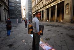 *** (Boris Rozenberg) Tags: streetphotography street streetphoto painting moment look italy digital nikon sigma1020 sigma sigmalens decisivemoment mona lisa monalisa gioconda leonardo da vinci leonardodavinci pov art beauty snapshot snap