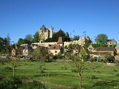 Monfort  (ricMon chemin ) Tags: sky tree castle nature canon landscape outside village may eu dordogne mai 24 prigord paysage chteau montfort 2016 vitrac