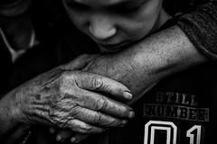 Gnrations (PaxaMik) Tags: black hands noir noiretblanc amour link rides lien mains wrinkles blackandwhitephotos nb bw gnration