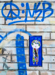 HH-Wheatpaste 2976 (cmdpirx) Tags: street city urban streetart color colour art up wall cutout germany painting paper graffiti chalk stencil nikon paint artist drawing wand wheatpaste paste glue hamburg cement can spray your pasted marker piece aerosol pastup farbe pastie stift kleber reclaim dose wheatepaste schablone kreide pappe kleister spraydose kuenstler d7100