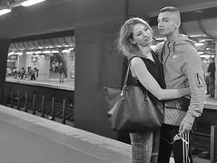 DSCF1055 copie (sergedignazio) Tags: street paris france photography fuji photographie rue quai rer amoureux hommefemme x100s