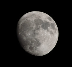 Waxing Gibbous Moon 22 May 2013 (Sculptor Lil) Tags: moon london astrophotography waxinggibbous dslrsingleexposure