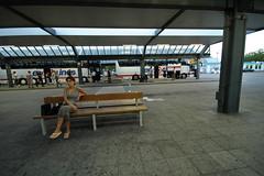 ZOB Berlin  - warten auf den Bus