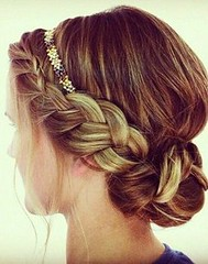 """Trenza en Chongo y luz frontal • <a style=""""font-size:0.8em;"""" href=""""http://www.flickr.com/photos/89371637@N02/9318994231/"""" target=""""_blank"""">View on Flickr</a>"""