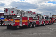 FDNY Tower Ladder 44 & Squad 270 (Triborough) Tags: newjersey nj engine firetruck fireengine ladder squad wildwood fdny seagrave capemaycounty towerladder newyorkcityfiredepartment ladder44 squad270 towerladder44