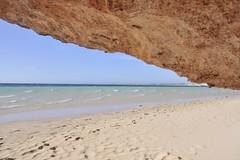 Beach at shelters (Julien Falissard) Tags: ocean blue mer beach nature natural n sable australia bleu aus plage blanc australie naturel 2013