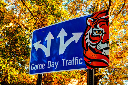 "Auburn ""Game Day Traffic"" sign HDR"