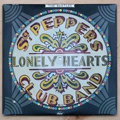 Beatles - Sgt Pepper's Lonely Hearts Club Band drum (Leo Reynolds) Tags: canon eos ebay album vinyl picture cover lp record disc sleeve platter picturedisc 33rpm f40 iso160 70d 41mm hpexif 0017sec leol30random xleol30x xxx2014xxx