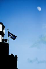 Scotland to the Moon (ChrisJohnston82) Tags: sky moon canon eos scotland edinburgh flag scottish bluesky standrewscross esplanade royalmile saltire themoon nationalflag capitalcity tamron70300mm saintandrewscross scotlandflag 40d tamronaf70300mmf456dildmacro12 castleesplanade canoneos40d canon40d