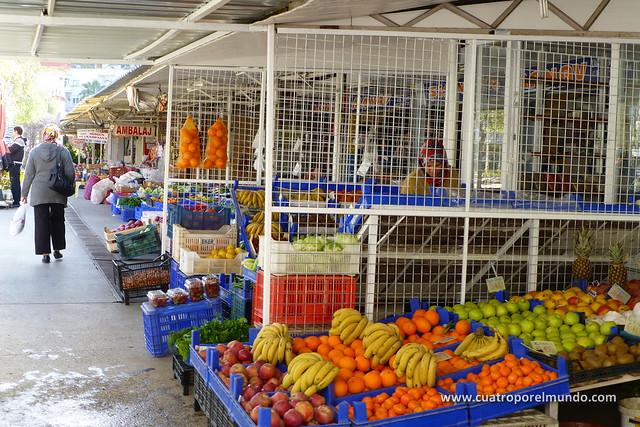Mercado central de Finike donde voy a comprar la fruta