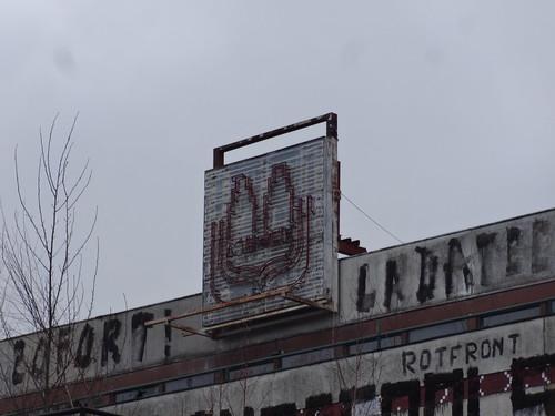1971/77 Potsdam Leucht-Reklame Terrassengaststätte Minsk 310Pl. inklusive Tiefbunker (Schutzbauwerk) von Karl-Heinz Birkholz/Wolfgang Müller Max-Planck-Straße in 14460
