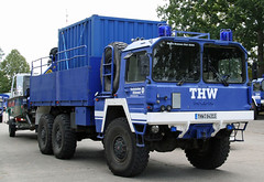 THW MAN 7to GL (The Rubberbandman) Tags: road blue man truck germany boats army offroad badass oldman relief civil german agency disaster technical vehicle beacons emergency federal thw defence rafts often flatbed gl manman bundeswehr hilfswerk civildefence emergencyvehicle technisches bundesanstalt 7to