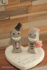 sharks Wedding Cake Topper-love sharks with sweet heart base (charles fukuyama) Tags: wedding shark ceremony clay requin beachwedding brideandgroom sculpted initials tiburn bridalbouquet  weddingcaketopper customcaketopper oceanwedding handmadecaketopper bridalbirdcage kikuike