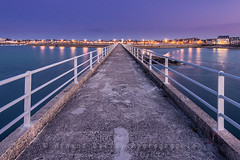 L'estacade de Roscoff (http://arnaudballay.wix.com/photographie) Tags: longexposure bridge sunset mer france port harbor pier nikon brittany roscoff bretagne lee fr avril ponton nisi finistre filtre estacade 2016 d610 gnd jetee poselongue nd64 penarbed littlestopper