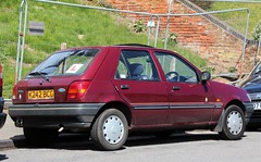 K242 BCG (1) (Nivek.Old.Gold) Tags: ford fiesta 11 1993 concept meridian 5door