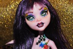repaint elissabat (datumzinebeautifulmemories) Tags: punk doll vampire goth repaint monsterhigh repaintooak elissabat