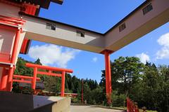 (Yorozuna / ) Tags: red color shrine niigata  torii  vermilion nagaoka rightangle        inarishrine              houtokusaninaritaisha houtokusaninarishrine