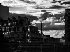 Nuages de Paris (3aptiste) Tags: cloud paris eiffel nuage