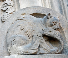 Cat steels fish! (Antropoturista) Tags: sculpture fish cat germany townhall rathaus chemnitz