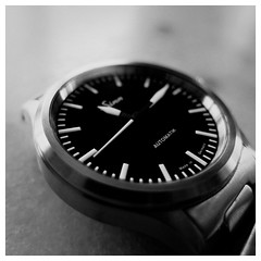 Sinn 556i (DavidB1977) Tags: bw monochrome fuji watch nb sinn montre x10 556i