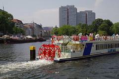 Tagesausflug nach Berlin (ingrid eulenfan) Tags: berlin spin hauptstadt stadt spree drehen flickrfriday flus schaufelraddampfer schiffsfahrt cityschiffsfahrt