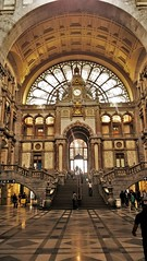 Antwerpen station (Mado AwaD) Tags: door old windows light color building glass architecture stairs ma hall arch belgium belgie entrance oud trap ingang mado