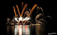 Fte du Canada. (donaldpoirier93@yahoo.fr) Tags: paysage extrieur nuit feudartifice fondnoir