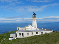 Tiumpan Head Lighthouse, Point, Isle of Lewis, June 2016 (allanmaciver) Tags: tiumpan head lighthouse stevenson 1900 1956 queen prince princess royal patron towet white light warning historic impressive minch blue sky sea weather change western isles hebrides mainland windows height allanmaciver