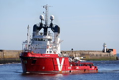 Vos Islay (calzer) Tags: morning harbour offshore saturday vessel standby aberdeen islay vos vroon errv