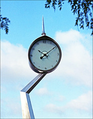 Town Clock (TWE42) Tags: film burien publicart clocks canonftb