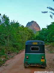 "Tukito en Sigiriya • <a style=""font-size:0.8em;"" href=""http://www.flickr.com/photos/92957341@N07/9189853297/"" target=""_blank"">View on Flickr</a>"