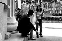Chongqing (重庆), 49 Xiaolongkan New Street (小龙坎新街), April 2013 (Foooootooooos) Tags: china street blackandwhite bw nikon noiretblanc zwartwit streetphotography starbucks 中国 chongqing sichuan rue kina cina chine 中國 重庆 straat chungking 四川 الصين 靓女 重慶 四川省 smokingman straatfotografie explored smokinggirl smokinggirls smokingpeople 靓妹 重慶市 סצואן tionghoa כינע sjina d7000 сычуань 쓰촨성 충칭 tứxuyên تشونغتشينغ سيتشوان siçuan มณฑลเสฉวน xiaolongkannewstreet 小龙坎新街 姹女 妙龄
