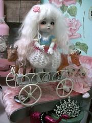 Queenie on a delightful stroll...... (simplychictiques) Tags: girls studio pastels queenie bjd antiques limitededition ly latiyellowdoll tinmangreywizardofoz winksandgigglesoutfit